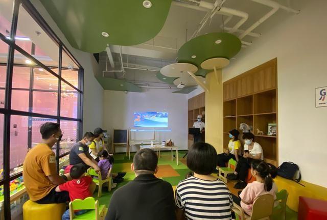 """亲子户外游:纽哈顿国际早教为孩子们,举办""""骑马""""活动"""