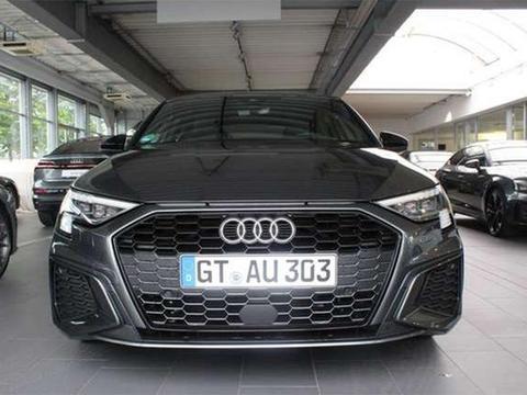 奥迪全新A3到店实拍,新车有望于明年年初国产