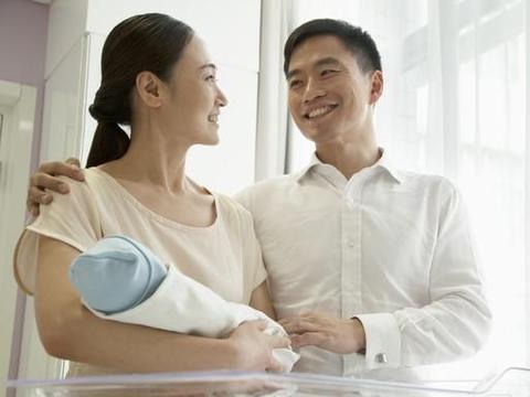 """拒绝""""松松垮垮"""",不母乳喂养,能防止乳房下垂吗?"""