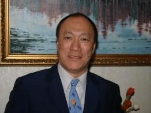 香港娱乐圈没人敢惹他,英皇老板都怕他,向华强也要敬他三分