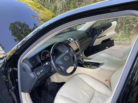 这辆凌志LS600HL售价37万,堪称顶级混合动力旗舰汽车