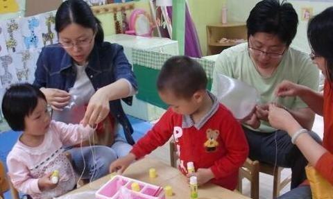 多抚触孩子这几个部位,能促进大脑发育,宝宝想不聪明都难