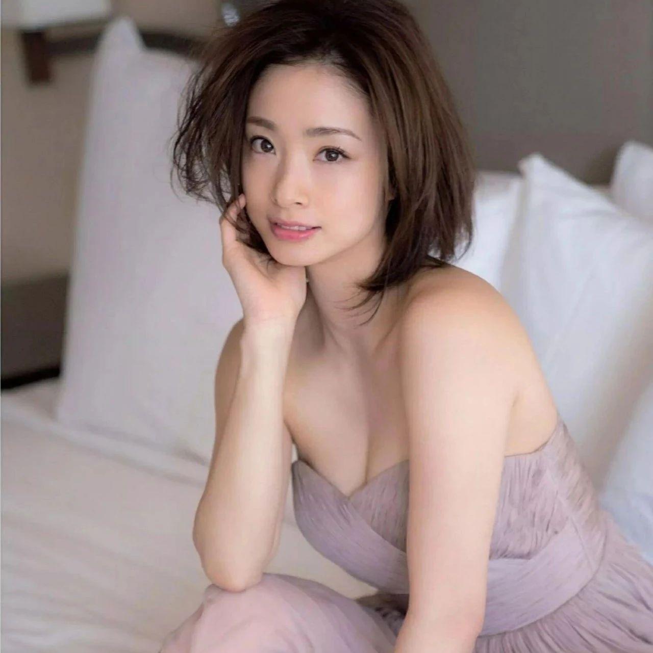 《昼颜》上户彩产后出晒线写真,喺《半泽直树2》中狂爆人妻金句!!!