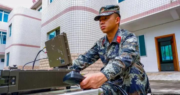 """张辉:日常与卫星""""打交道""""的""""卫星通信兵"""""""