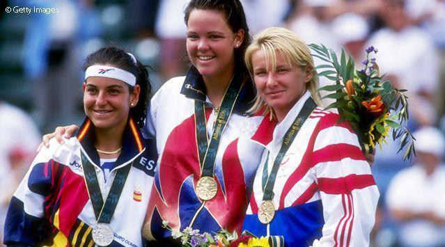 达文波特在1996年亚特兰大奥运会摘得女单金牌……