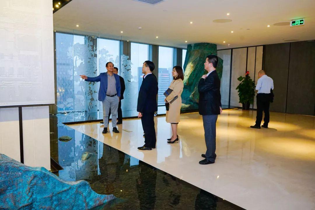 美国一带一路总商会以及中建领导莅临滨海金控交流访问
