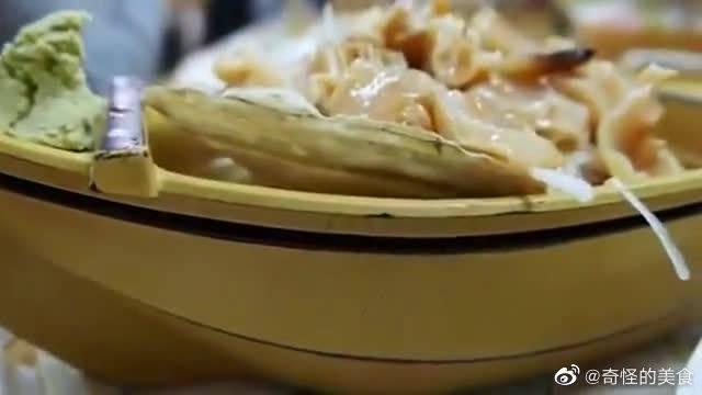 实拍日本街头小吃,象拔蚌生鱼片吃法,你敢挑战吗?