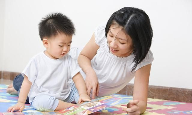 孩子1岁了,应该教什么?建议这从3方面入手,不必烧钱去早教