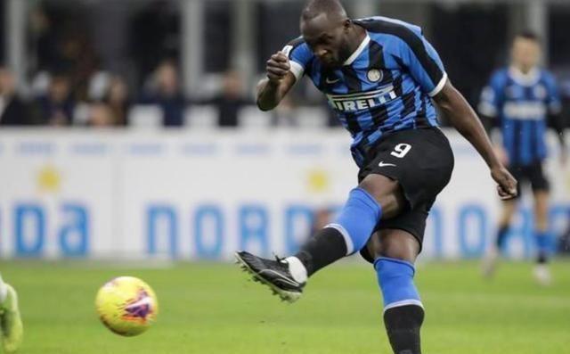 维埃里:批评卢卡库的人对于足球一无所知,根本无需理会