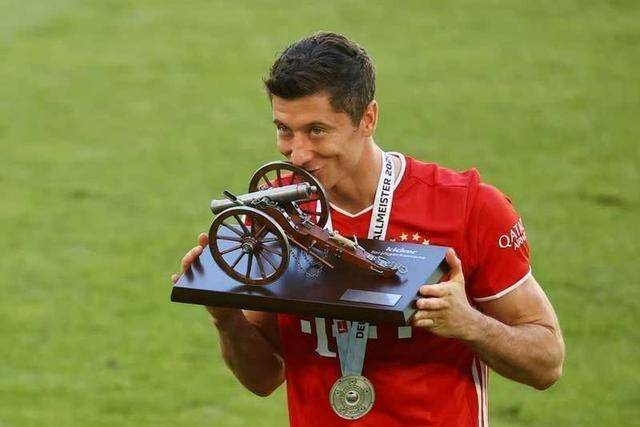欧洲最惨巨星!10天内连丢2大奖,金球弃他而去,现在金靴也没了