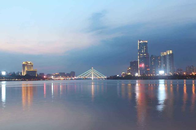 广东惠州gdp_惠州市的2020年上半年GDP为1882.84亿元,排名有何变化?