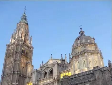 这应该是西班牙本科&硕士学费最便宜的公立大学了!