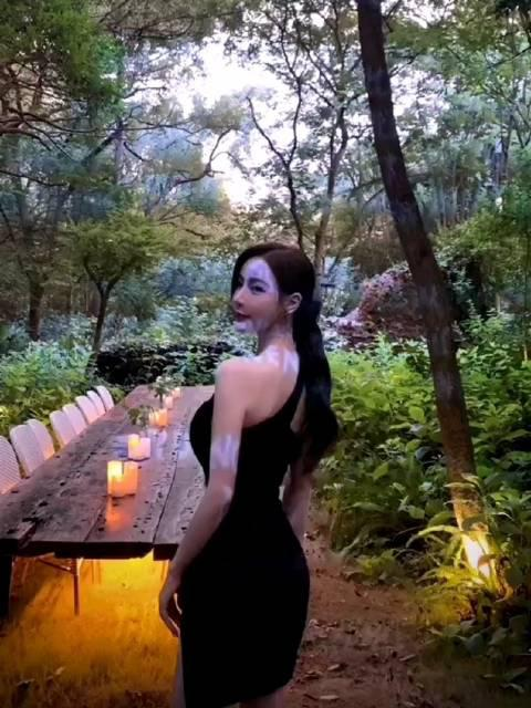 荒郊野岭遇到的是@张洛嘉Clara 女妖精么?