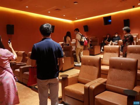 上半年收入骤减逾88% IMAX CHINA寄望600家影院重启