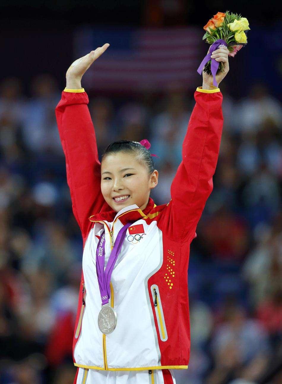 28岁奥运冠军何可欣,退役身体二次发育,近照美出新高度