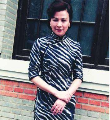 她24岁成名,却为爱不顾家人反对远嫁国外,结婚5年惨遭抛弃!