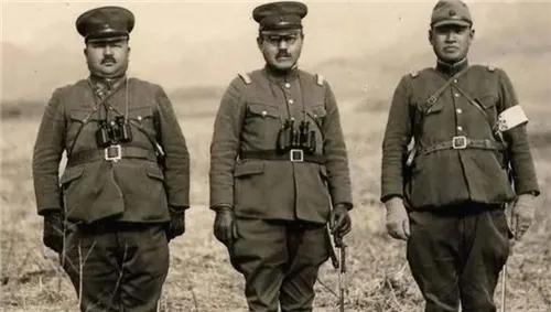 抗日老兵巡逻,看见一物上蹿下跳,果断击毙后,日本举国哀悼