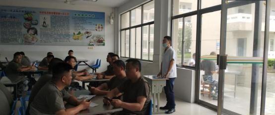 安徽芜湖:繁昌荻港镇为抗洪官兵开展血吸虫普查