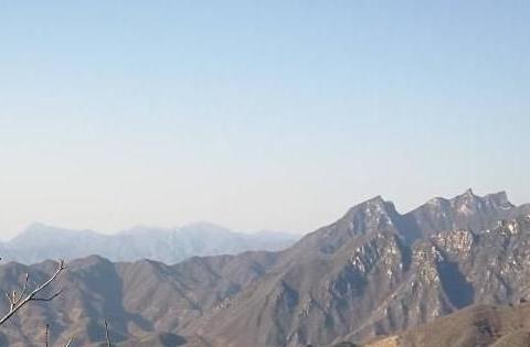 攀登长城,八达岭人多,箭扣惊险,想要放松休闲那便是慕田峪了