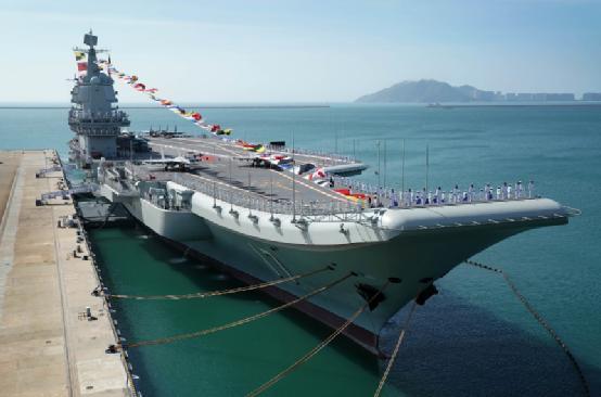 辽宁号不是中国第一,海军曾花3000万买报废航母,拆后却捡到宝贝