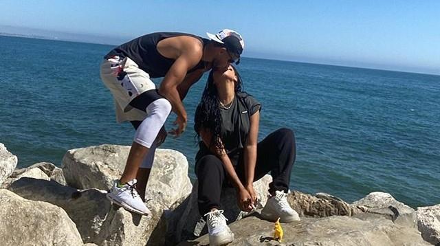 库里海边热吻阿耶莎!NBA赛季重启,他俩结婚九周年大秀恩爱