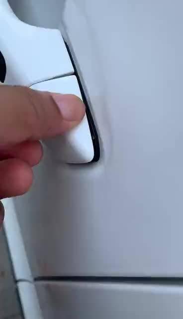 视频:刚刚电动邦-比亚迪元车友群内的车友反馈……