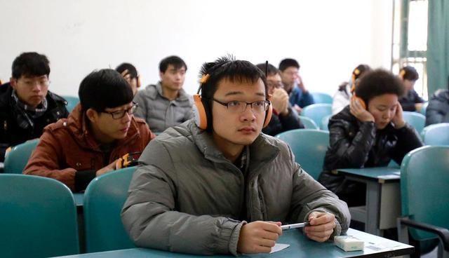 学习大学英语四级考试,应该选择什么学习材料呢?