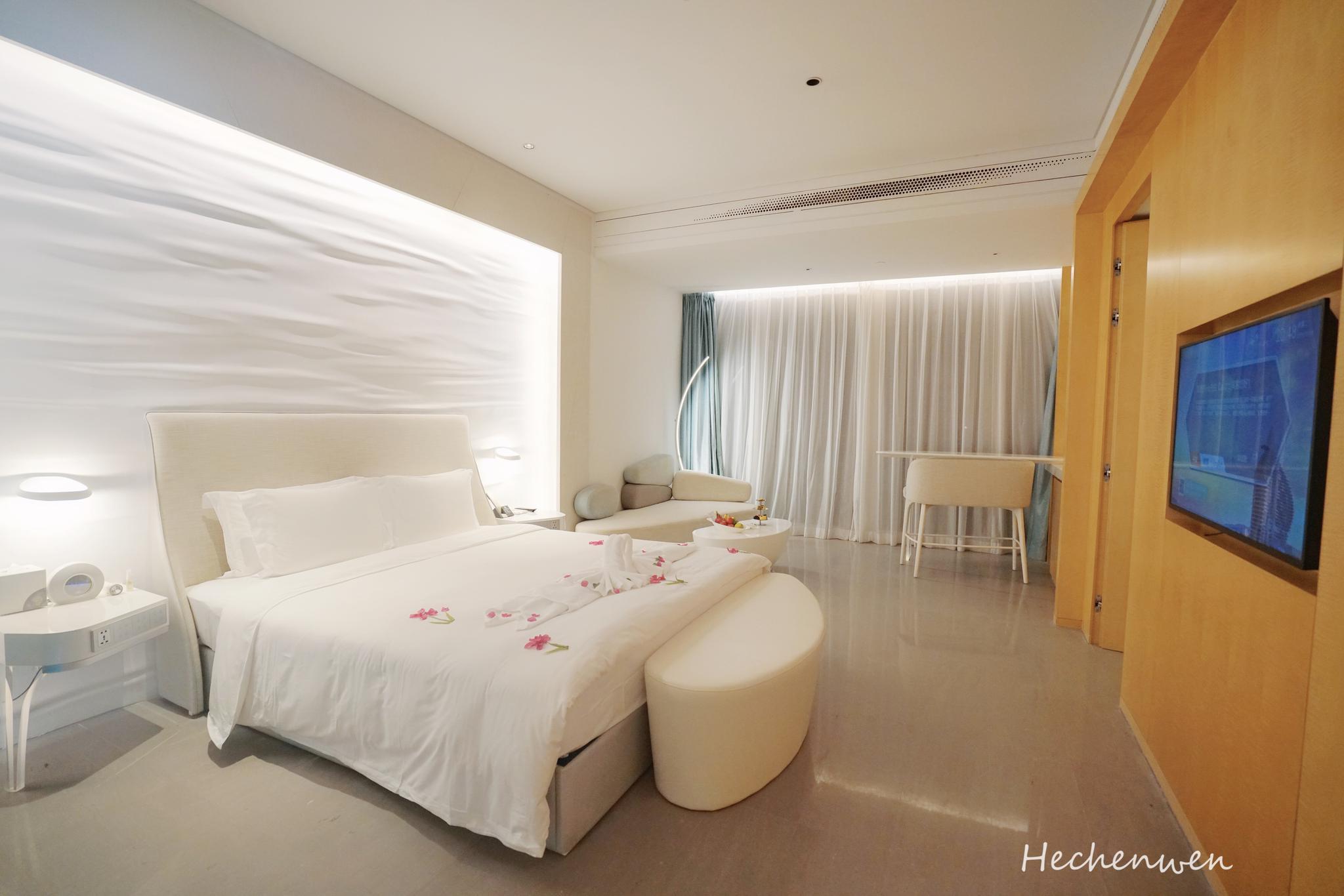 三亚七星级酒店,外形犹如一座帆船,躺在房间像在坐邮轮
