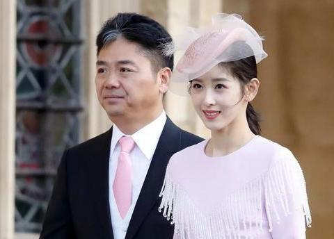 带大家看看刘强东豪宅,满满欧式宫廷风,不愧是电商巨头