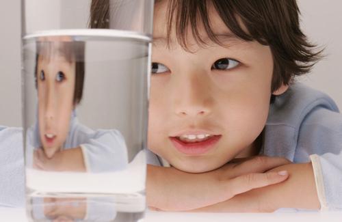 宝宝不爱喝水怎么办?家长需掌握7个育儿知识要点