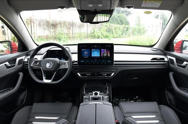 比亚迪秦Pro新能源这台车真的很好?这篇文章给你详细剖析!