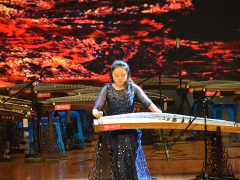 扬州青少年国际古筝邀请赛专业组一等奖靳添精彩演绎《望秦川》