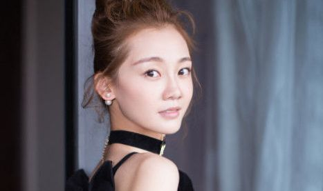 她被冯小刚捧红,陈道明也护着她,如今还与当红男星结婚!