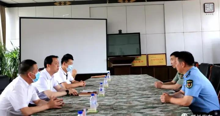吉林市副市长、舒兰市委书记张静辉看望人武部官兵并走访慰问老兵