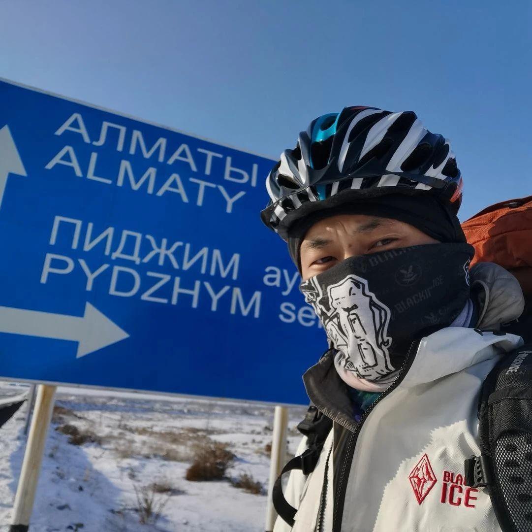 被困阿尔巴尼亚4个多月,四川小伙挑战轮滑吉尼斯世界纪录