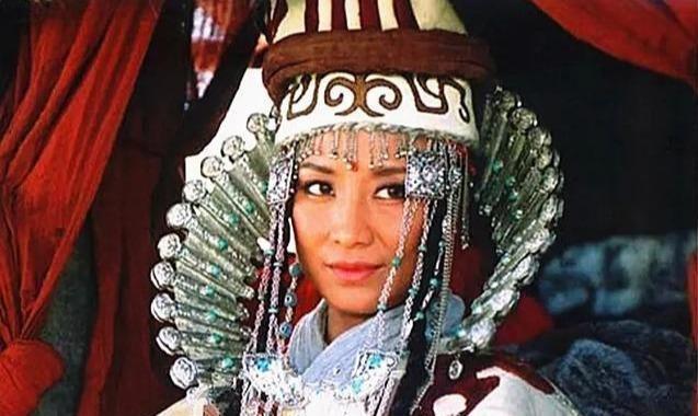 萨仁高娃:演公关小姐出名,正红时抵押房子开戒毒所,她图什么?