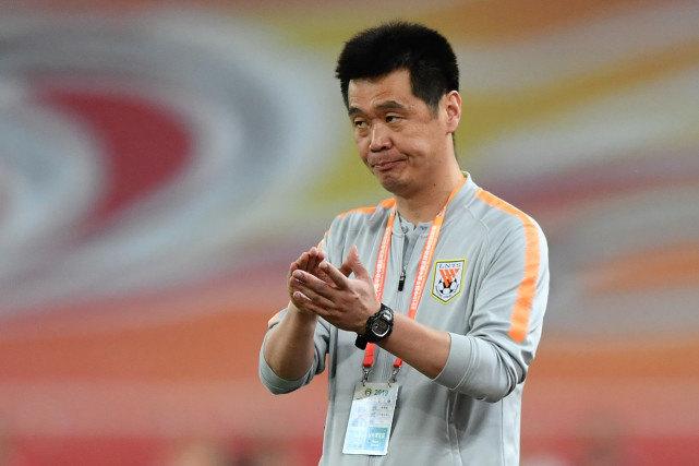 记者:李霄鹏给鲁能放假一天 大部分国内球员选择主动加练