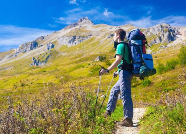 为何有些人旅游喜欢背登山包?四点原因诠释,让你的旅行更加精彩