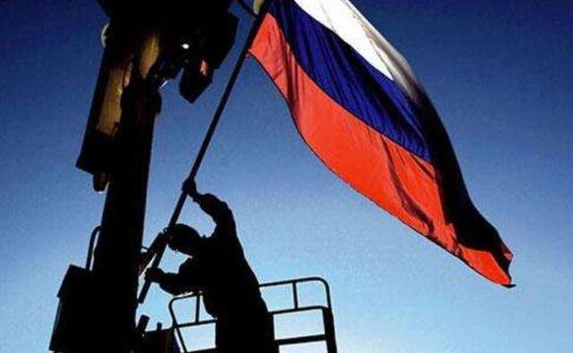 俄罗斯是最大产油国,依然贫穷困窘,为何不像沙特那么有钱?