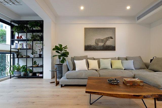 140平新家极简装修,全屋刷白墙,绿色植物烘托出干净简单的氛围