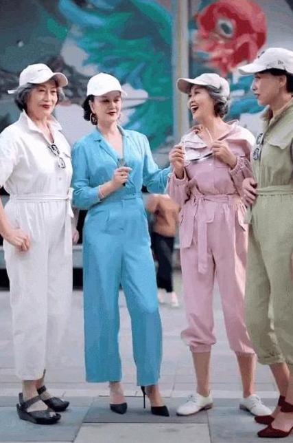 老年人也时尚,风靡全国的时尚奶奶,教你摇身一变为时尚宠儿