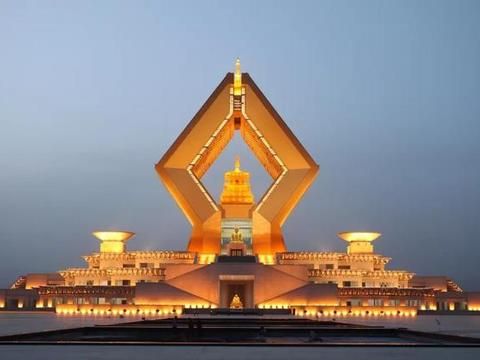 中国最奢华的寺庙:耗50亿打造,内部珍藏佛舍利还有武则天的绣裙