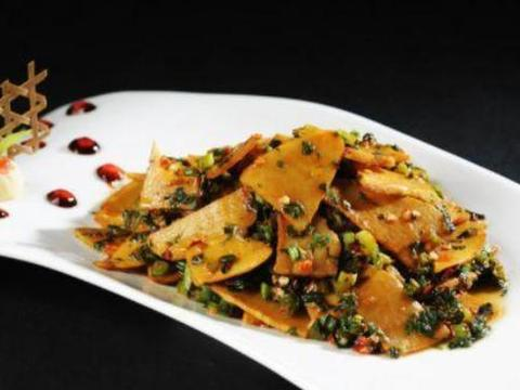 吃货美食:雪菜冬笋,杭椒牛肉,三色排骨汤,杂粮粥的做法
