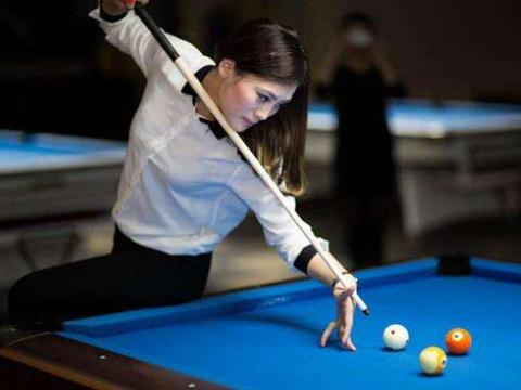 中国九球天后刘莎莎,最爱握杆打球,和老公婚后生活很幸福