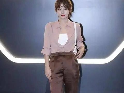 张嘉倪的涨幅全靠这双鞋。妆修图没那么黑,但她不是气质女神!