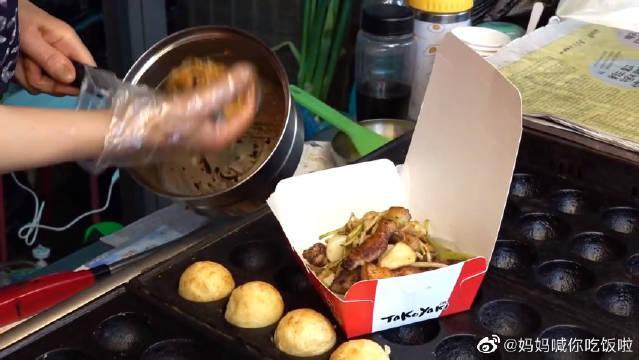 韩国街拍美食,街边烤五花肉,搭配泡菜拌饭真好吃~