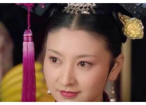 甄嬛传:甄嬛生下胧月之后不把她交给给沈眉庄,而是交给敬妃?