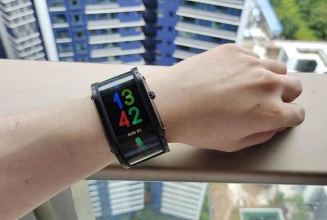 Nubia手表评测:AMOLED柔性屏,手表也能很酷炫