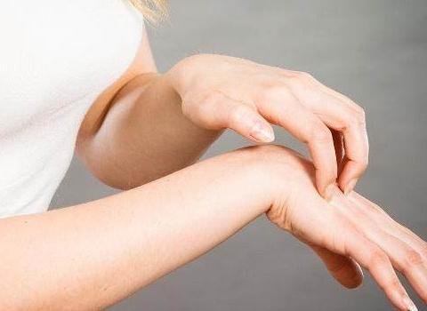 三伏天,很多人都还不知道这四个要素可以防止荨麻疹的发作