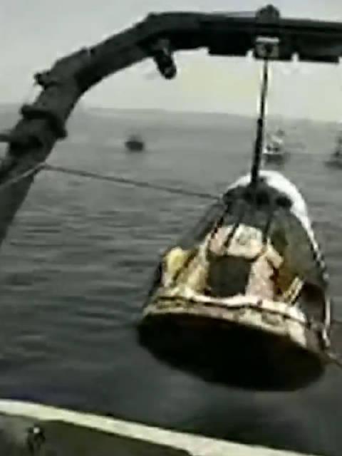 5月30日,SpaceX载人飞船于美国肯尼迪航天中心发射……